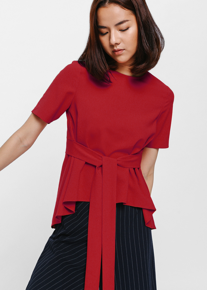 Genicce Asymmetrical Sash Top