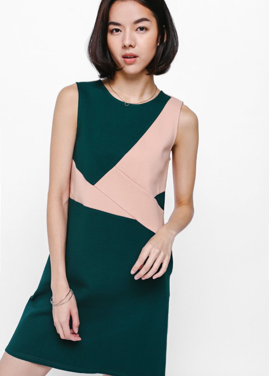 Reginy Contrast Shift Dress