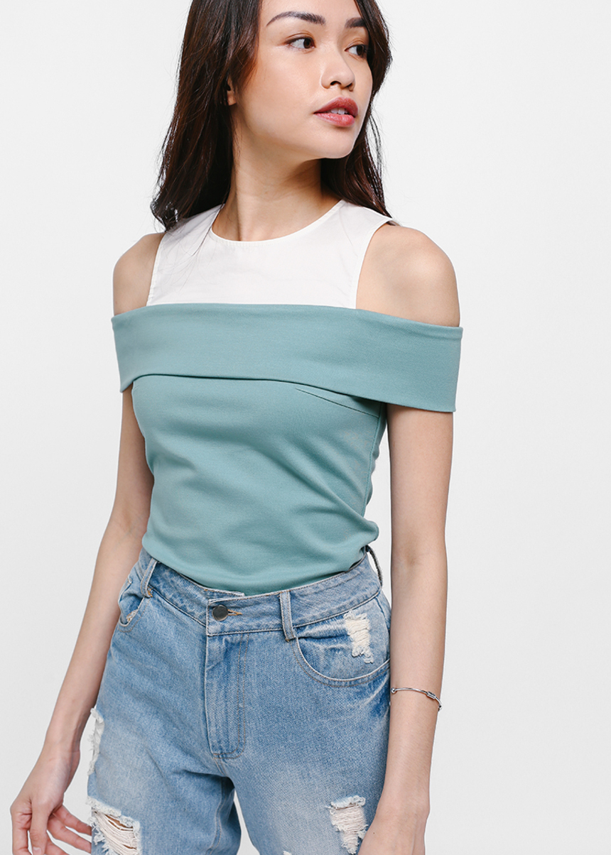 Ovilia Contrast Off Shoulder Top