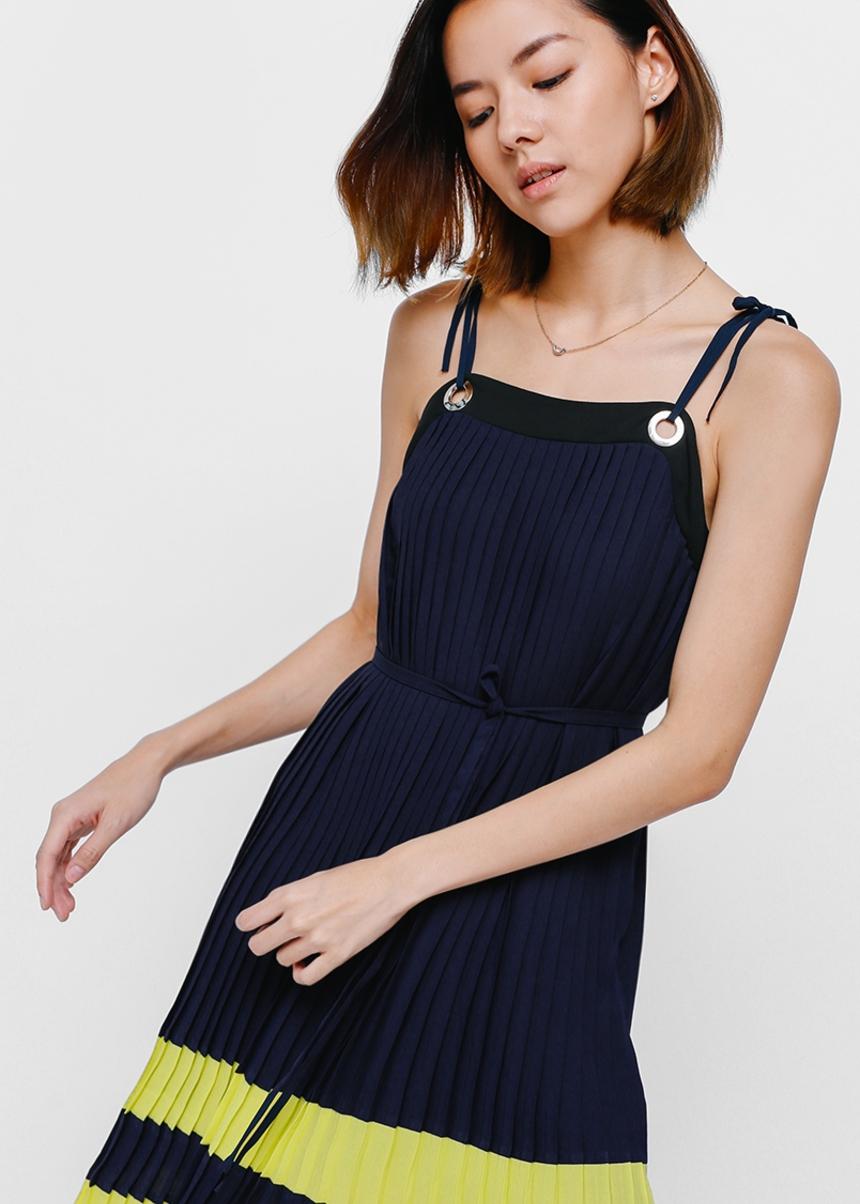 Deliciae Pleated Grommet Midi Dress