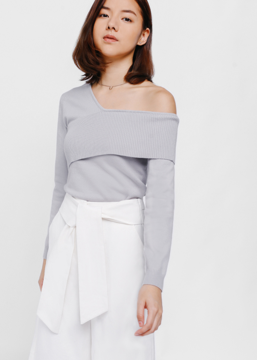 Nioja Layered Off Shoulder Sweater