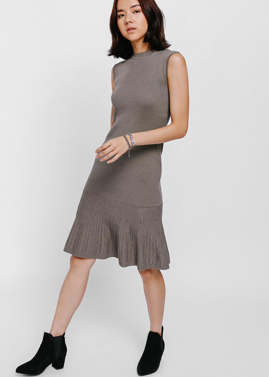 Agiva Fluted Hem Knit Dress