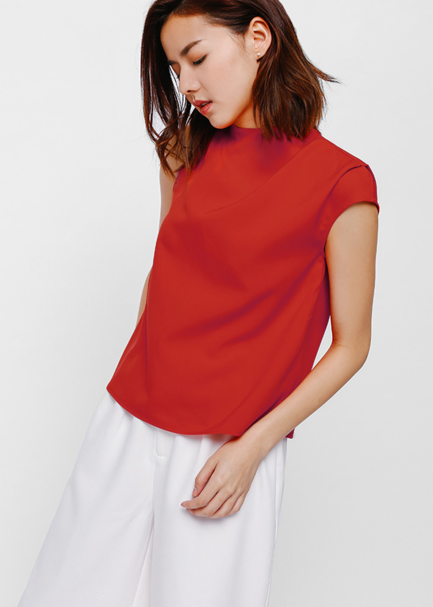 Rynka Ruched Asymmetrical Sleeve Top