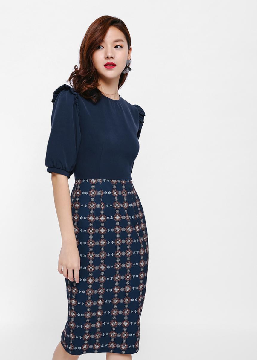 Ardelo Printed Ruffle Shoulder Pencil Dress