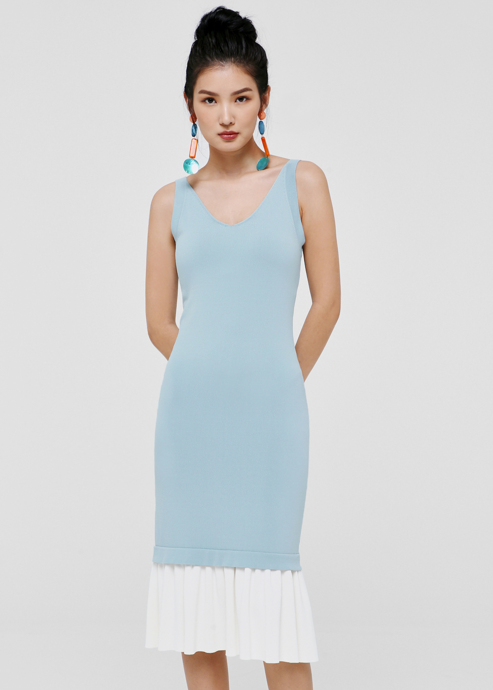Raylee Sleeveless Midi Dress