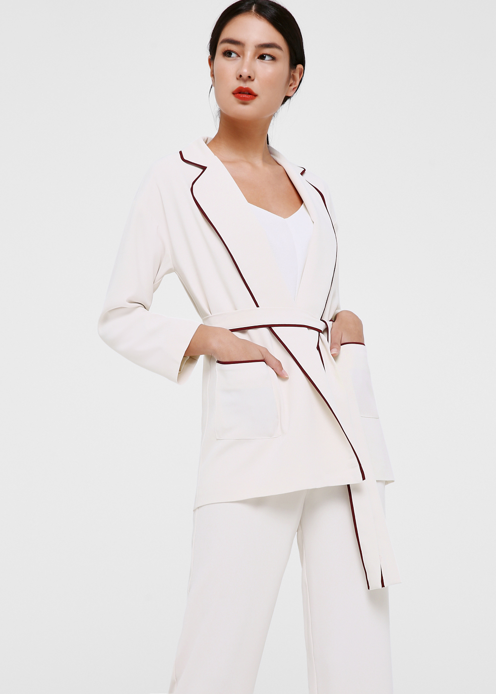 Noemie Contrast Piping Relaxed Blazer