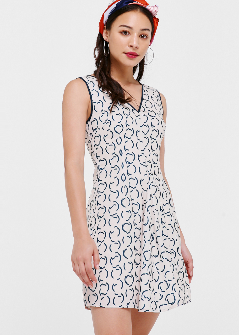 Maeve V-neck Pleated Dress in Retro Stencil