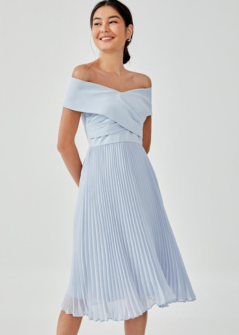 Ivanki Pleated Off Shoulder Midi Dress