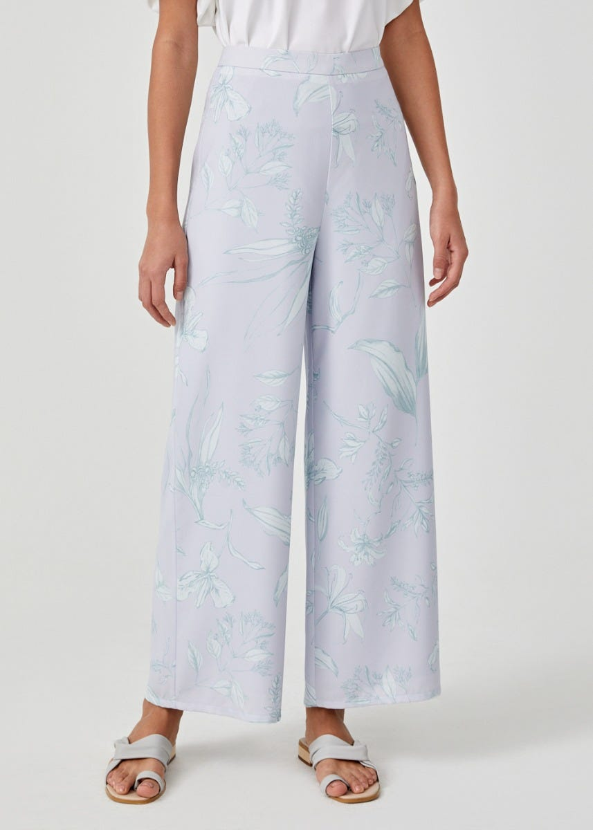 Cecily Straight Leg Pants in Floral Flutter