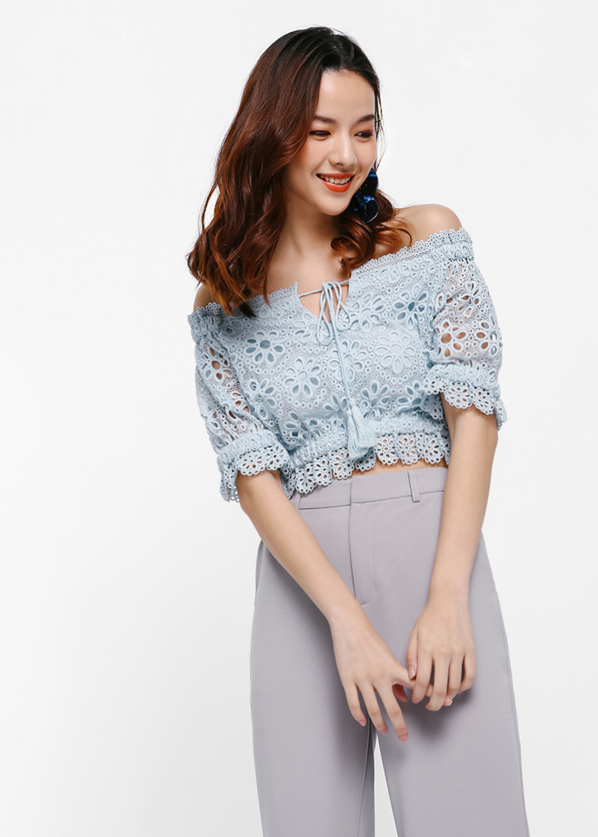 Cilet Broderie Anglaise Off-Shoulder Top