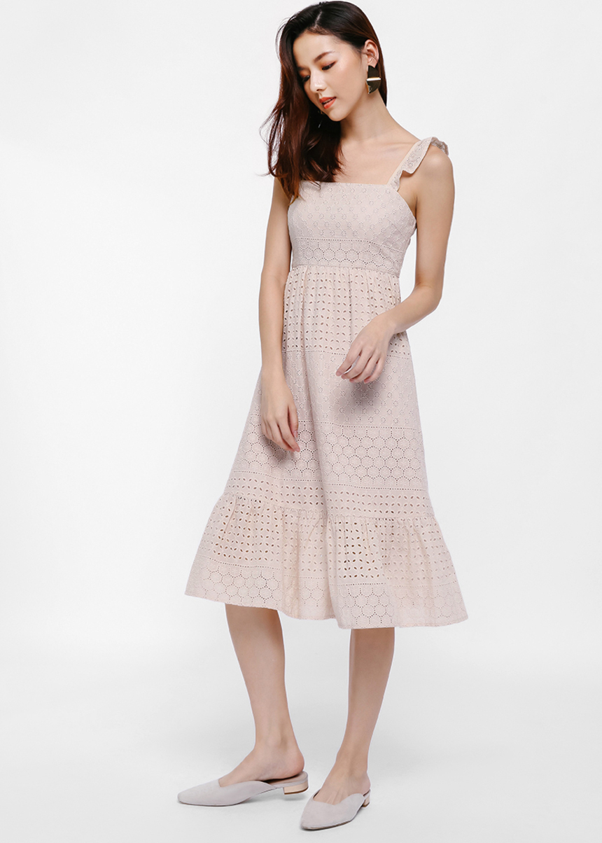 53f84546eb3 Issa Broderie Anglaise Midi Dress