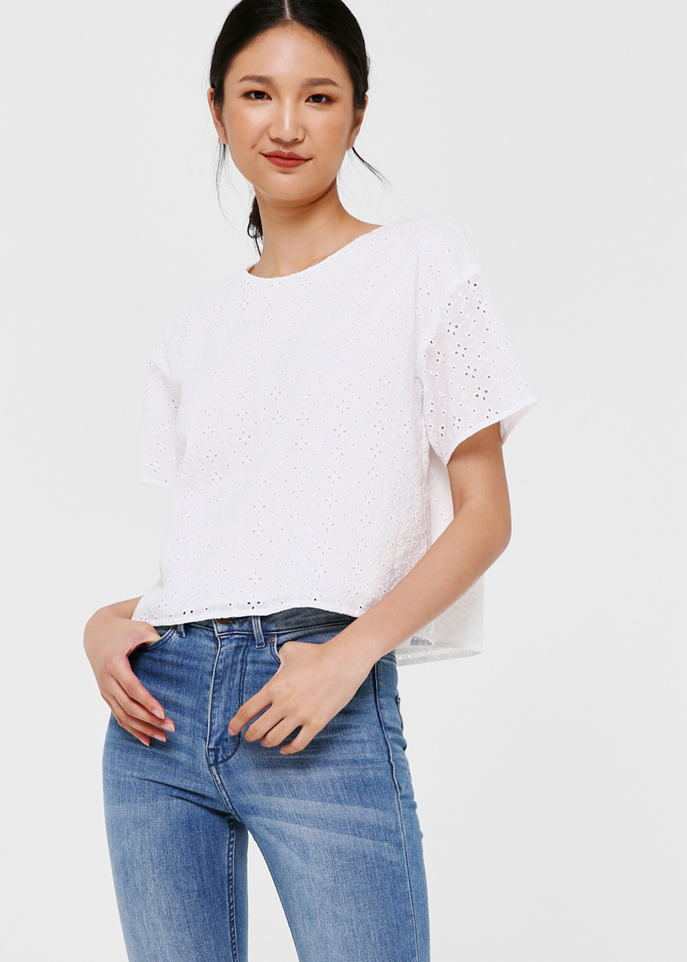 Mila Broderie Anglaise Top