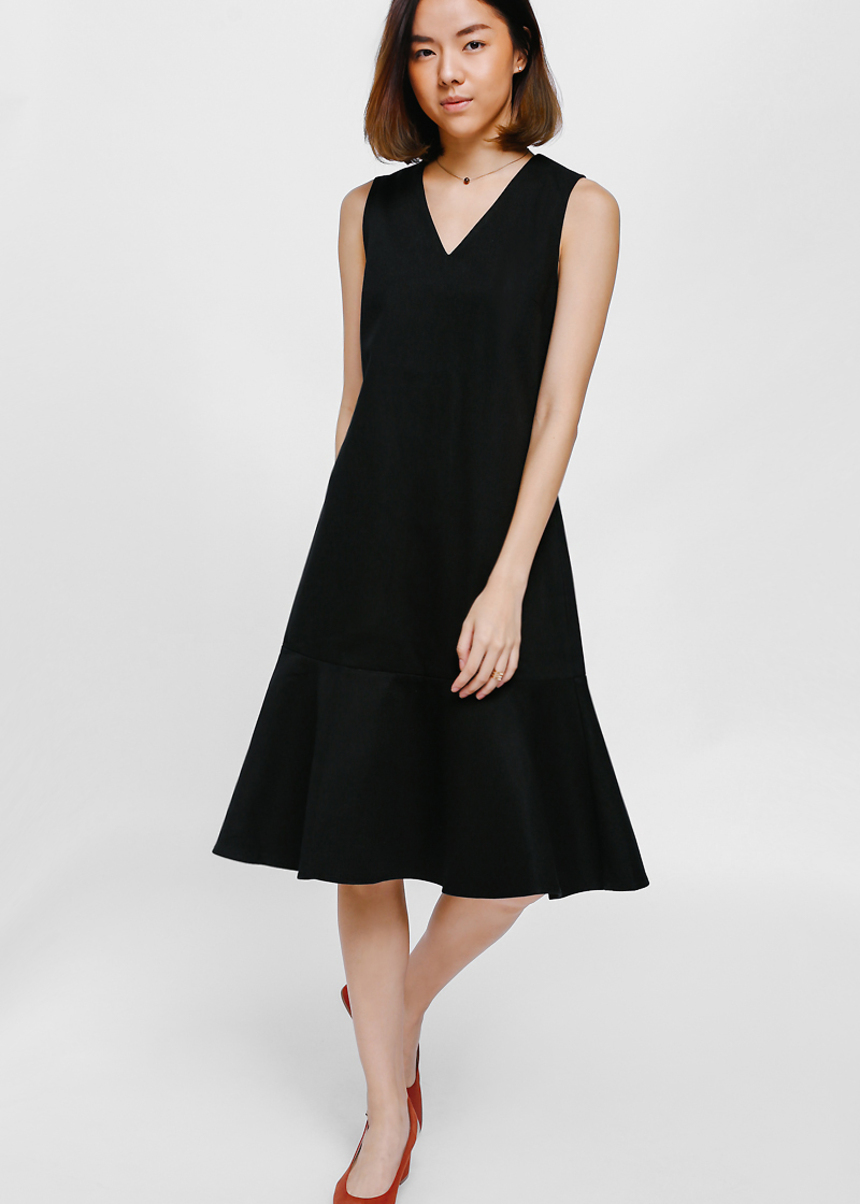 Reancla Ruffle Hem Midi Denim Dress