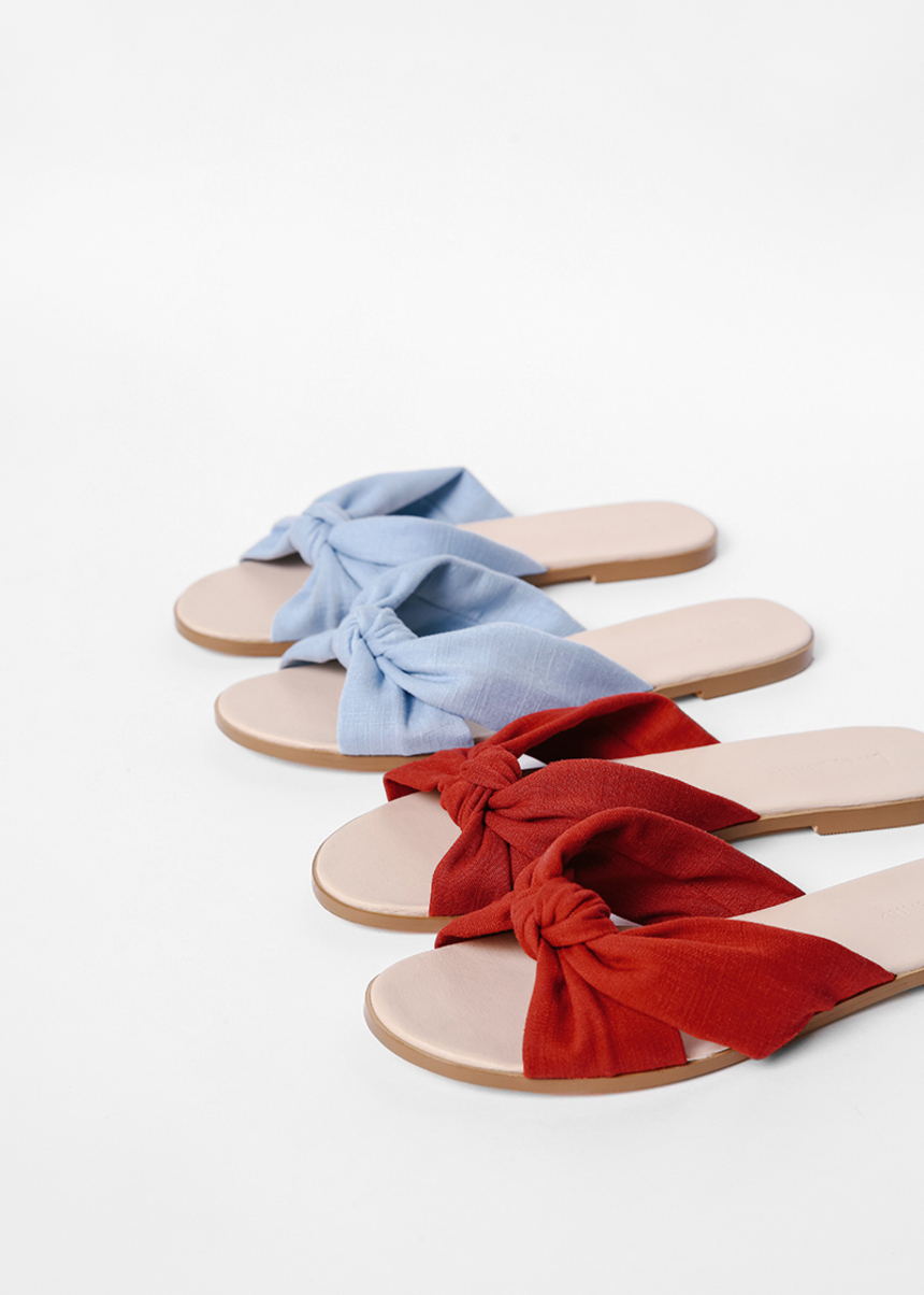 Sesmarie Bow Sliders