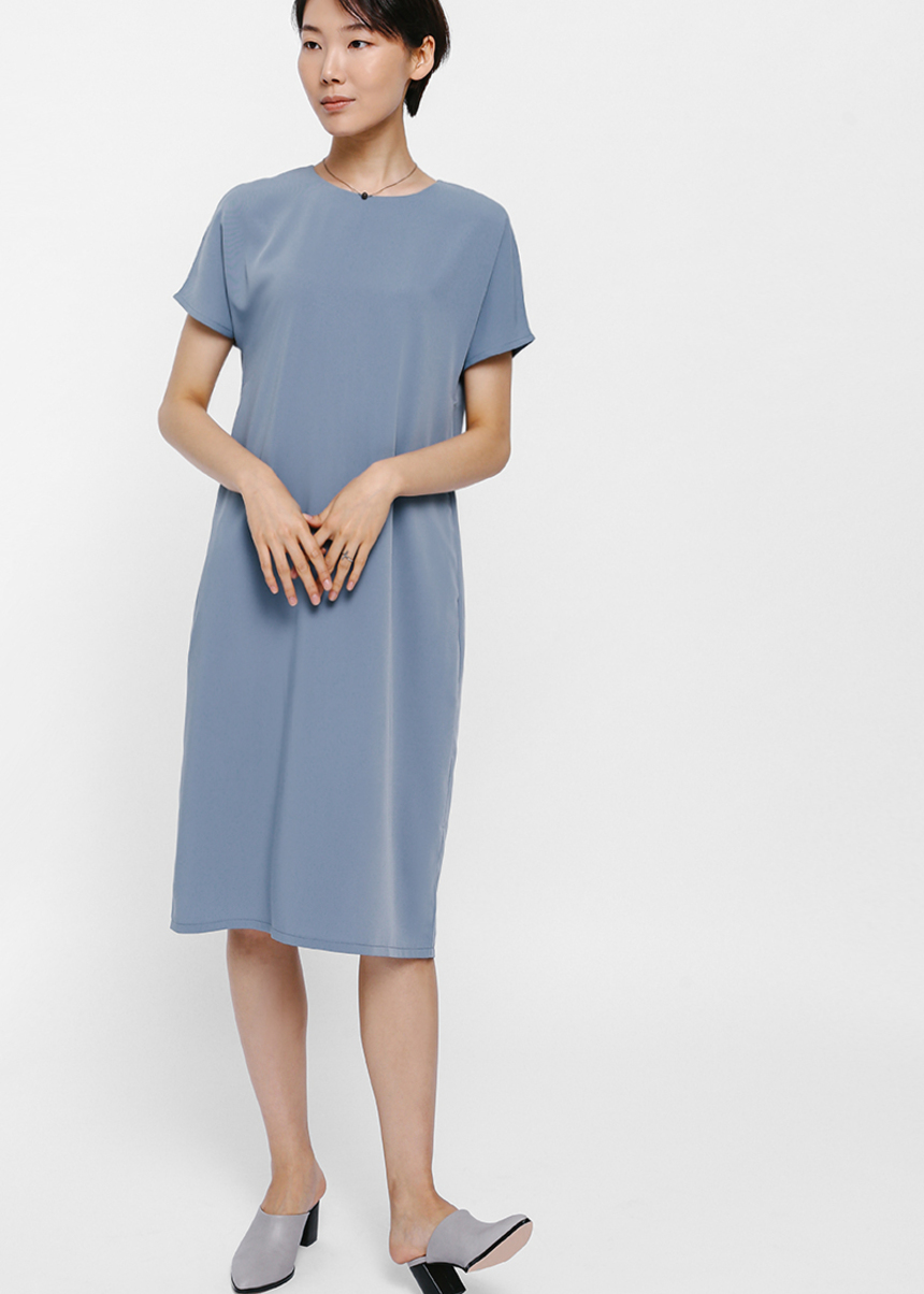 Gyanca Short Sleeve Midi Dress