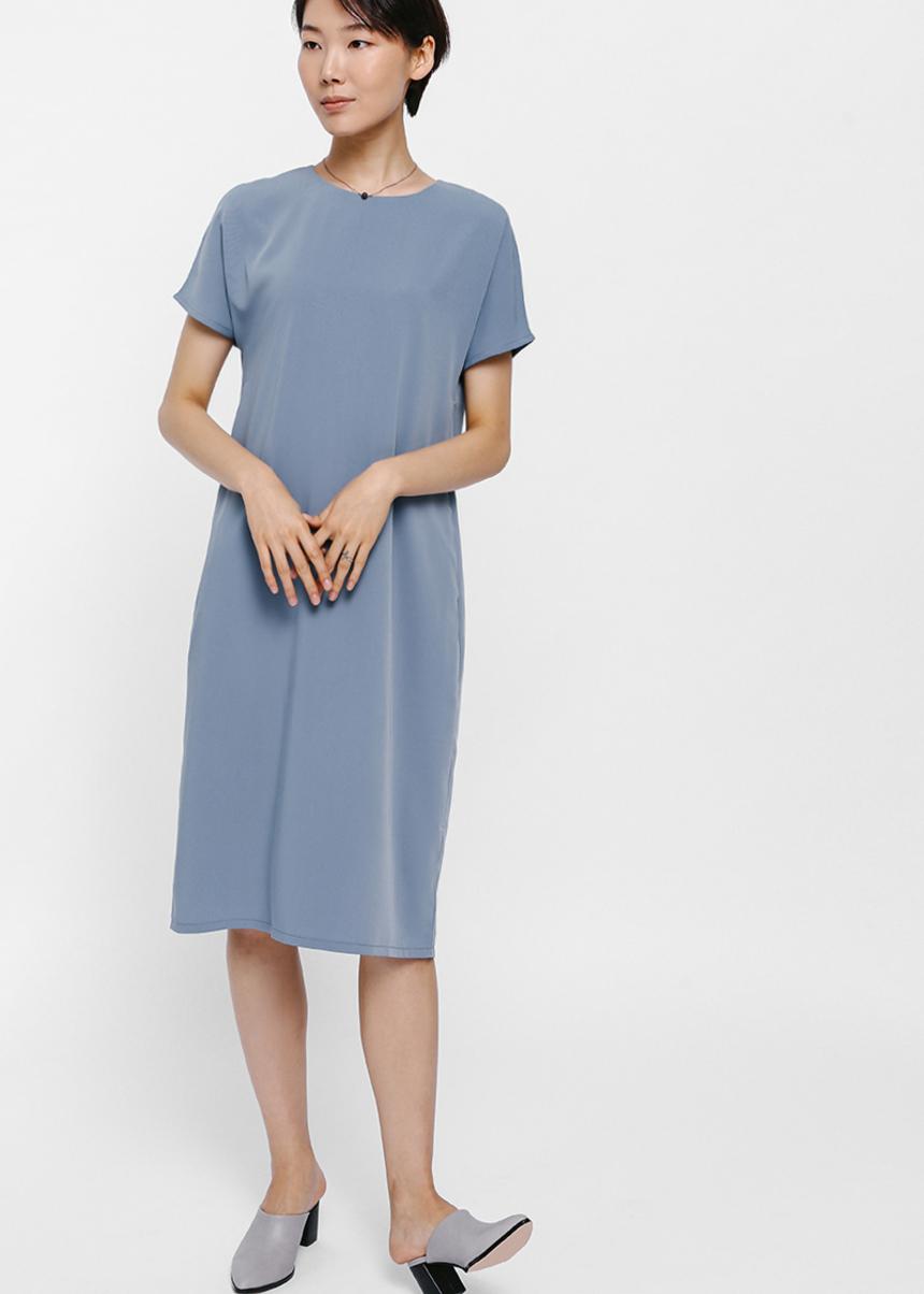 Gyanca Short Sleeve Midi Dress