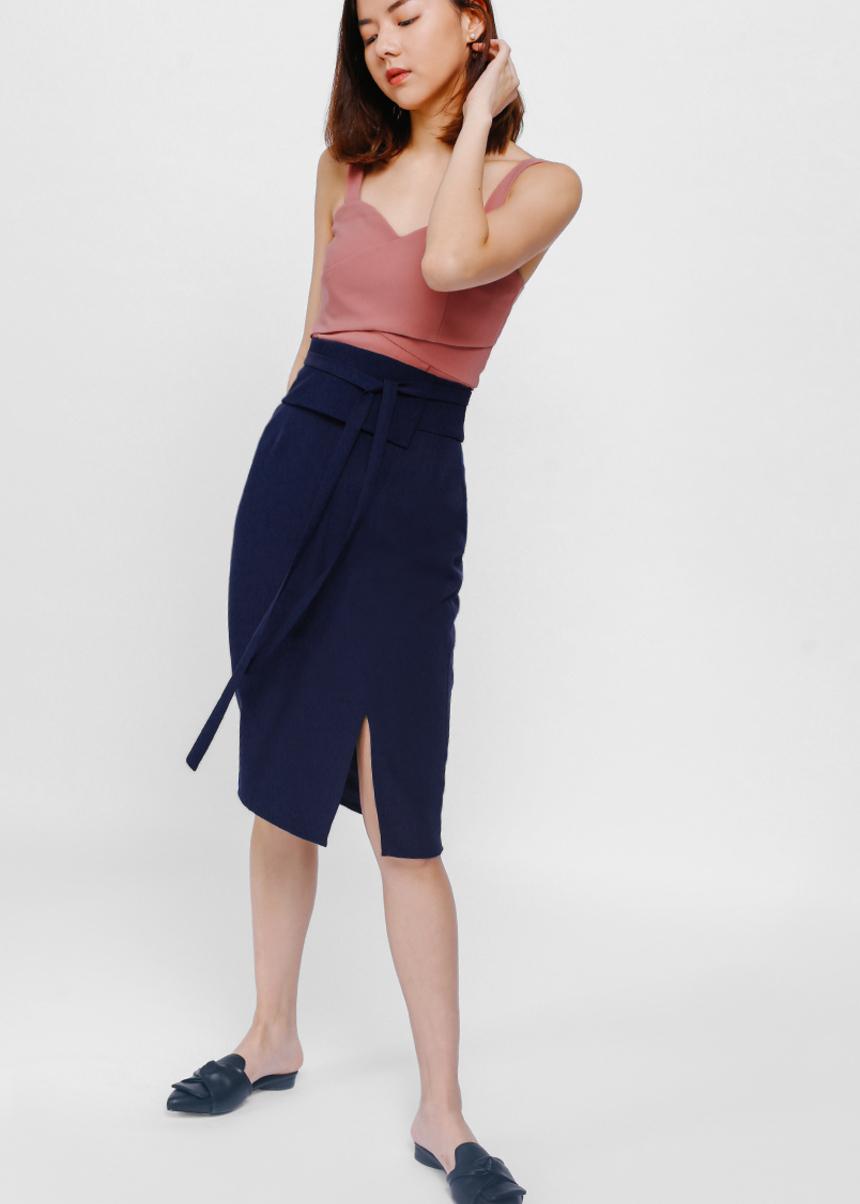 Otyu Origami Peplum Slit Pencil Skirt