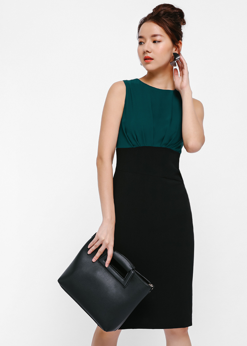 Ondrelle Pleated Contrast Midi Dress