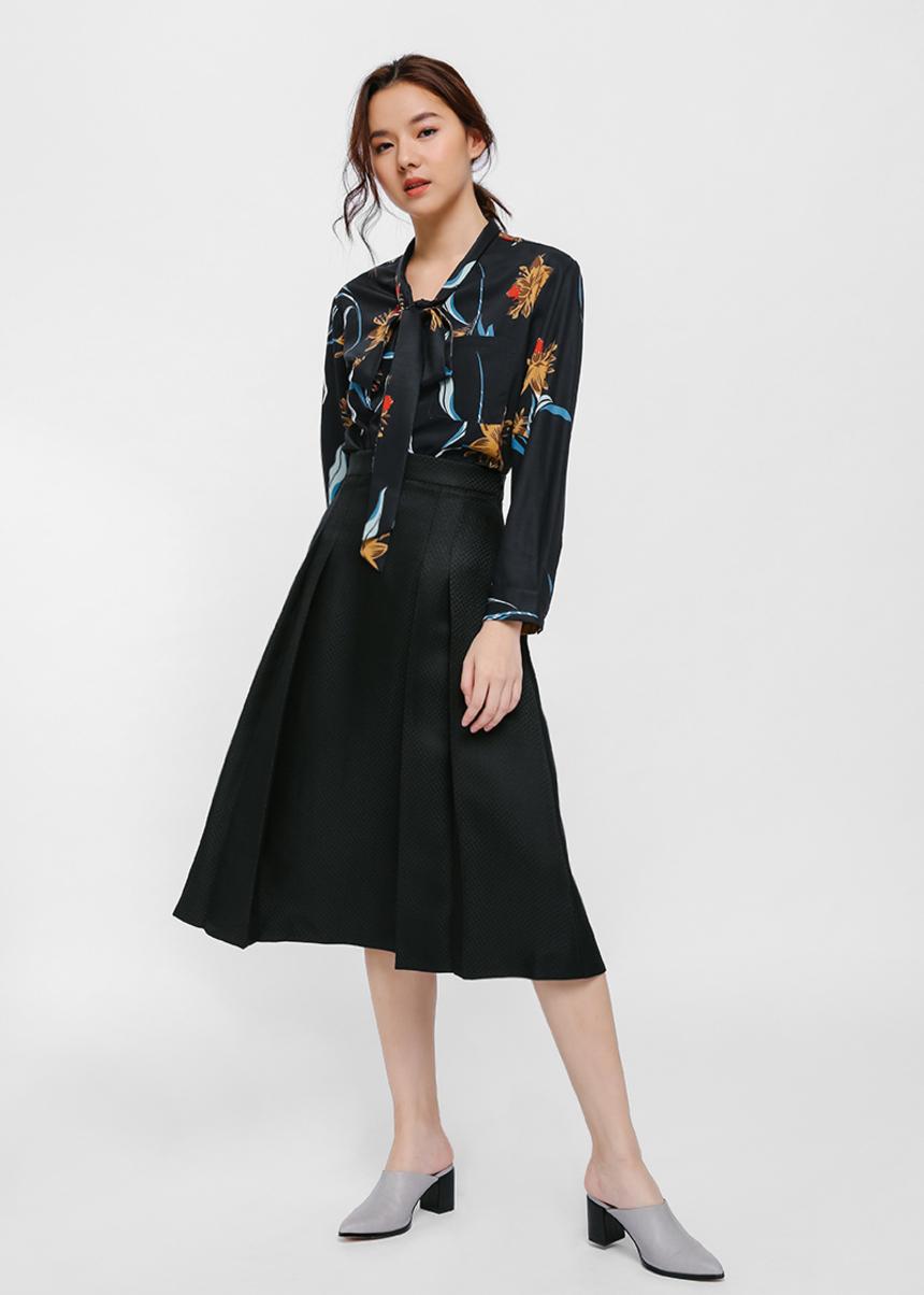Slylla Textured Pleat Midi Skirt