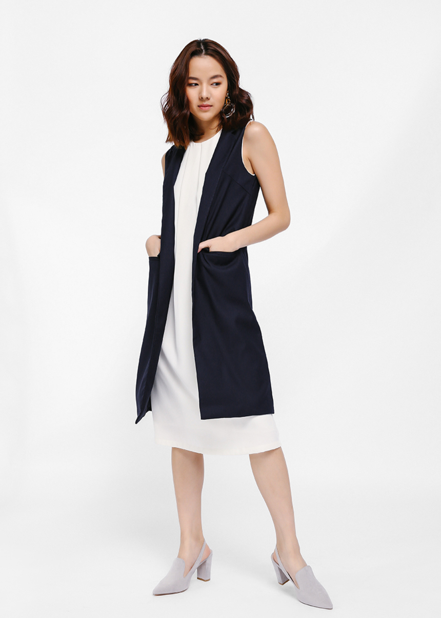 Varia Long Line Lapel Vest