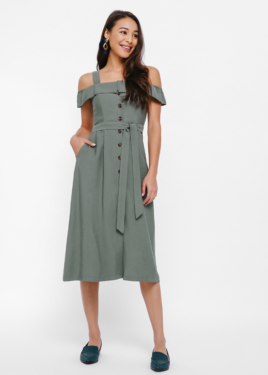 Calleo Off-shoulder Button-up Dress