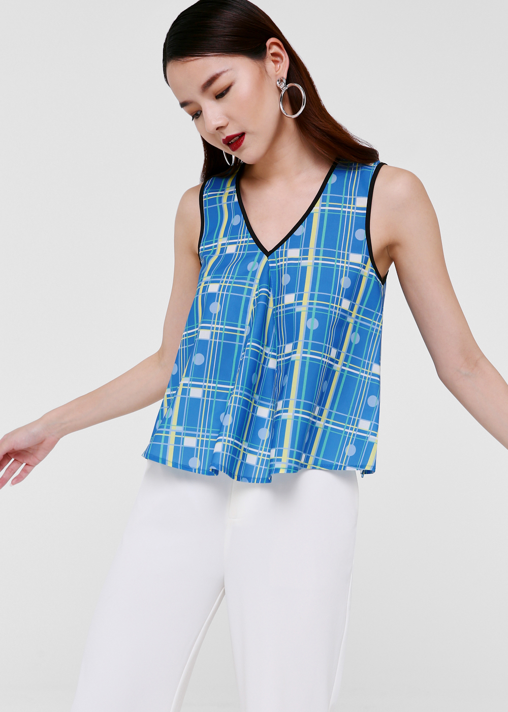 Zarita Relaxed Fit V-neck Top in Iced Soda