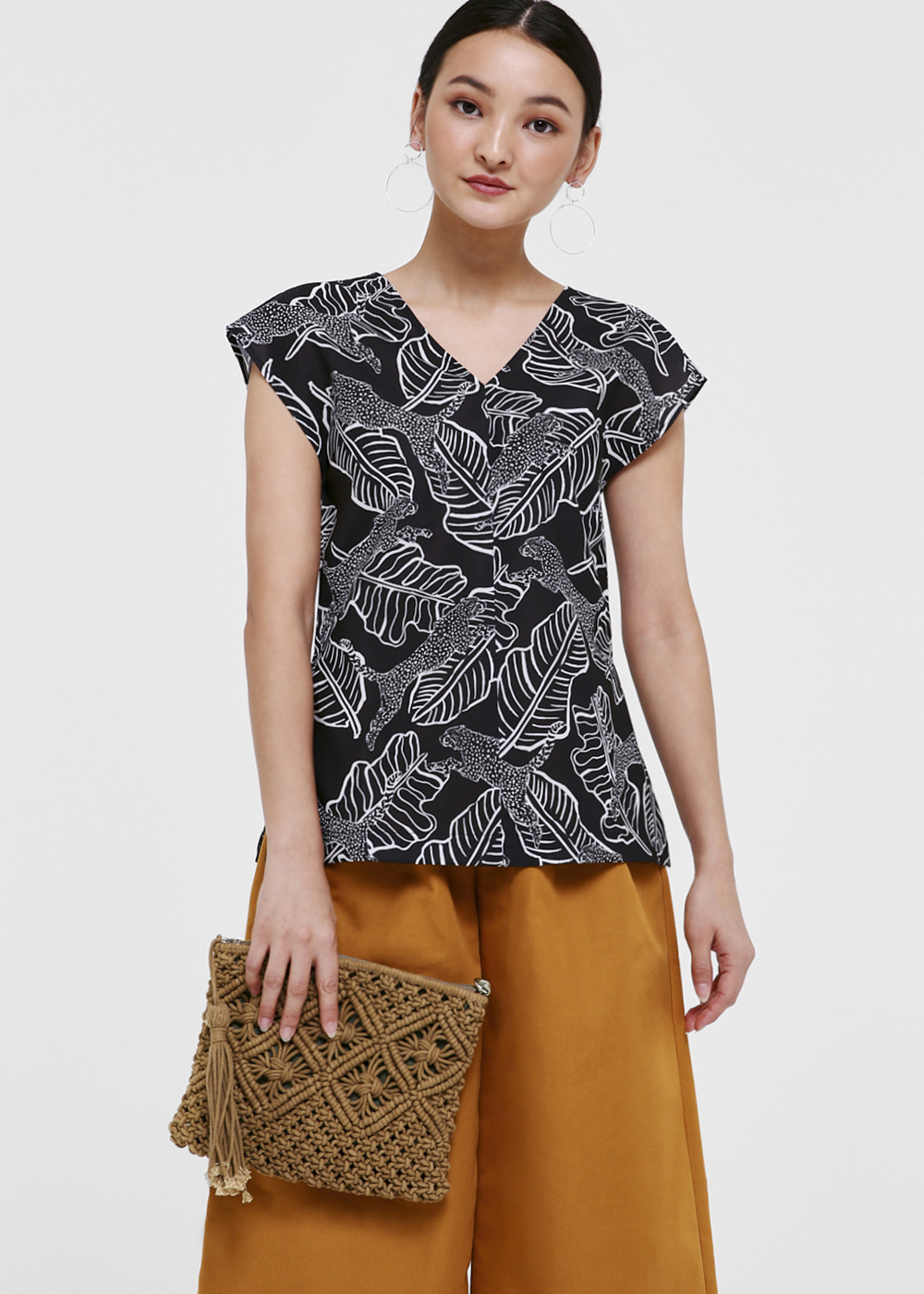 Sandrah V-neck Cap Sleeve Top in Safari Escapade