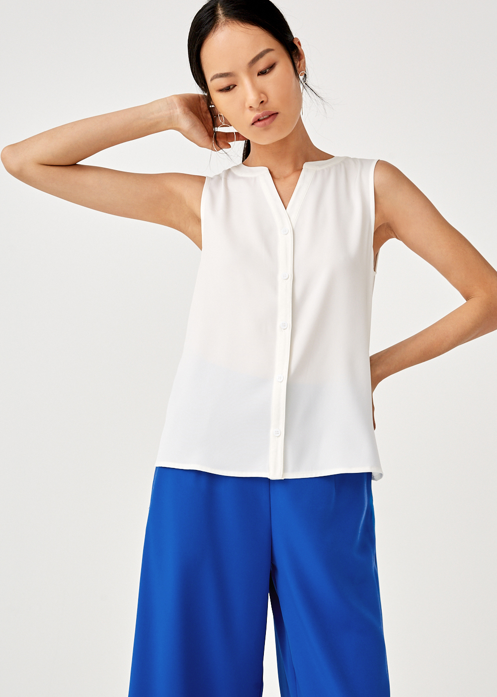 Raegan Sleeveless Shirt